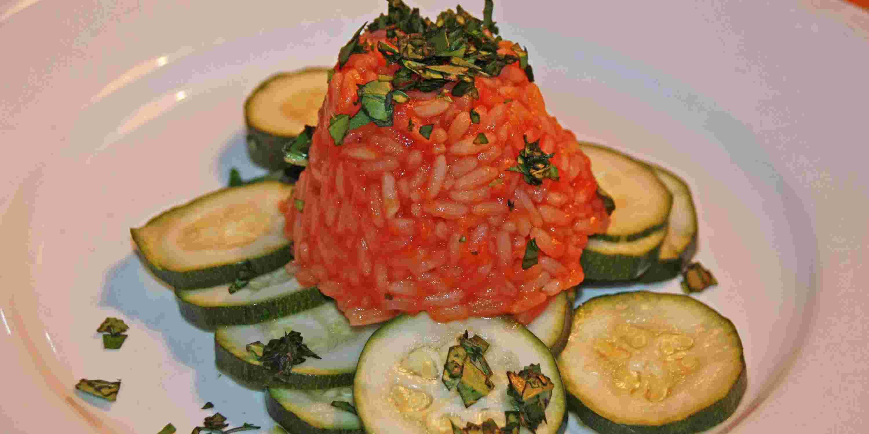 Tomaten-Reis mit Zucchini und Basilikum, Schrothkurgericht Hotel Allgaeu Sonne