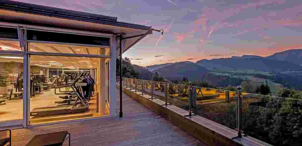 Panorama-Fitnesswelt im 5* Sport- & Wellnesshotel Allgäu Sonne