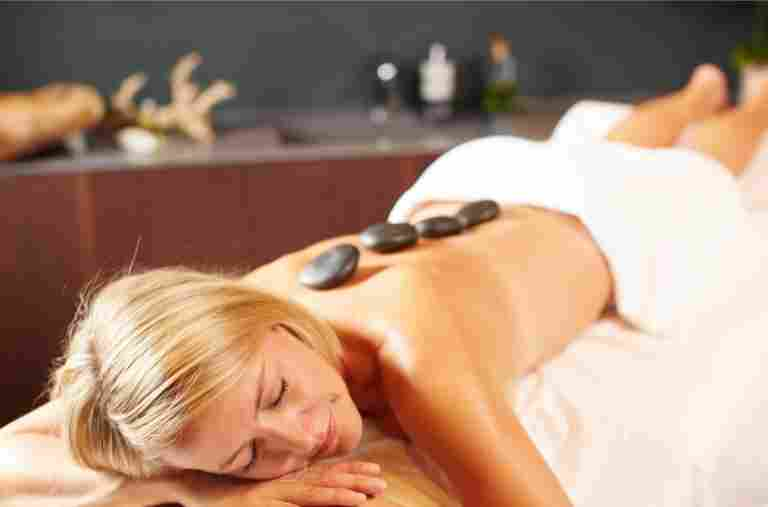 Hot Stone Massage im Wellnesshotel Allgäu Sonne