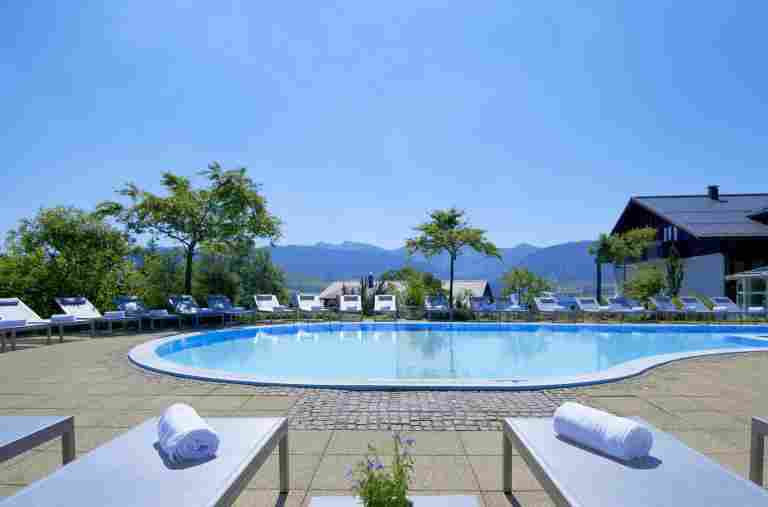 Aussenpool im Hotel Allgaeu Sonne in Oberstaufen im Allgaeu