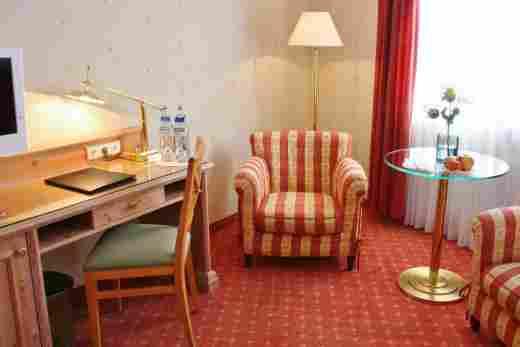 Standard Doppelzimmer Schreibtisch