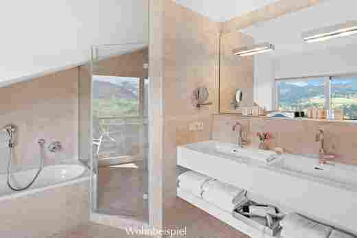 Badezimmer in der Alpin Suite Süd im 5 Sterne Hotel Allgäu Sonne in Oberstaufen