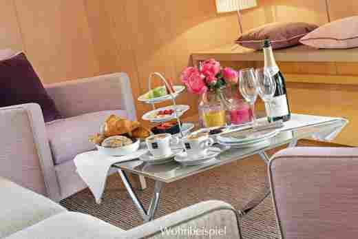 Frühstück in der Alpin Suite Süd im Hotel Allgäu Sonne in Oberstaufen