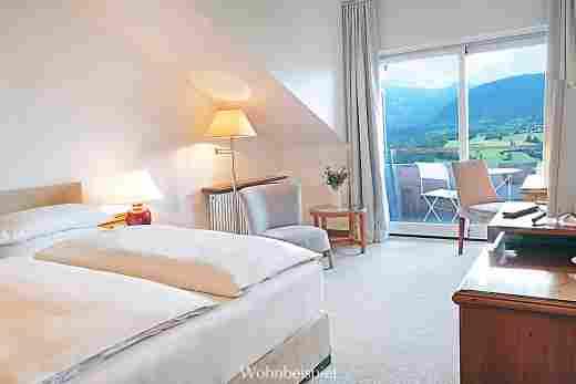 Comfort Doppelzimmer mit Blick auf die Berge im 5 Sterne Hotel Allgäu Sonne